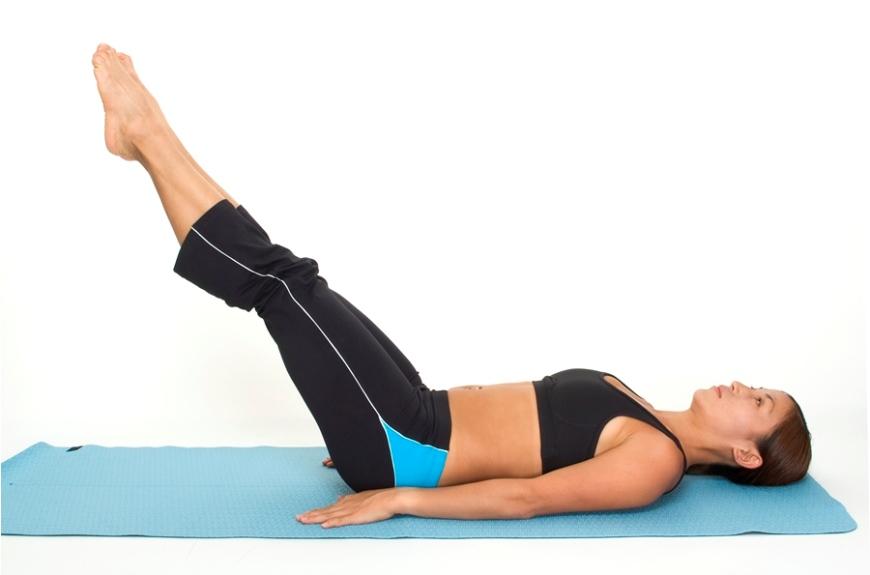 Подъём ног в положении лёжа на спине