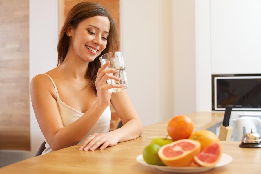 Пить воду утром натощак