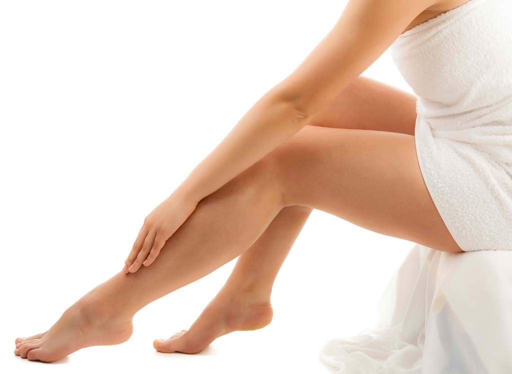 Первые признаки варикоза - периодически возникающие судорожные сокращения мышц стопы и голени