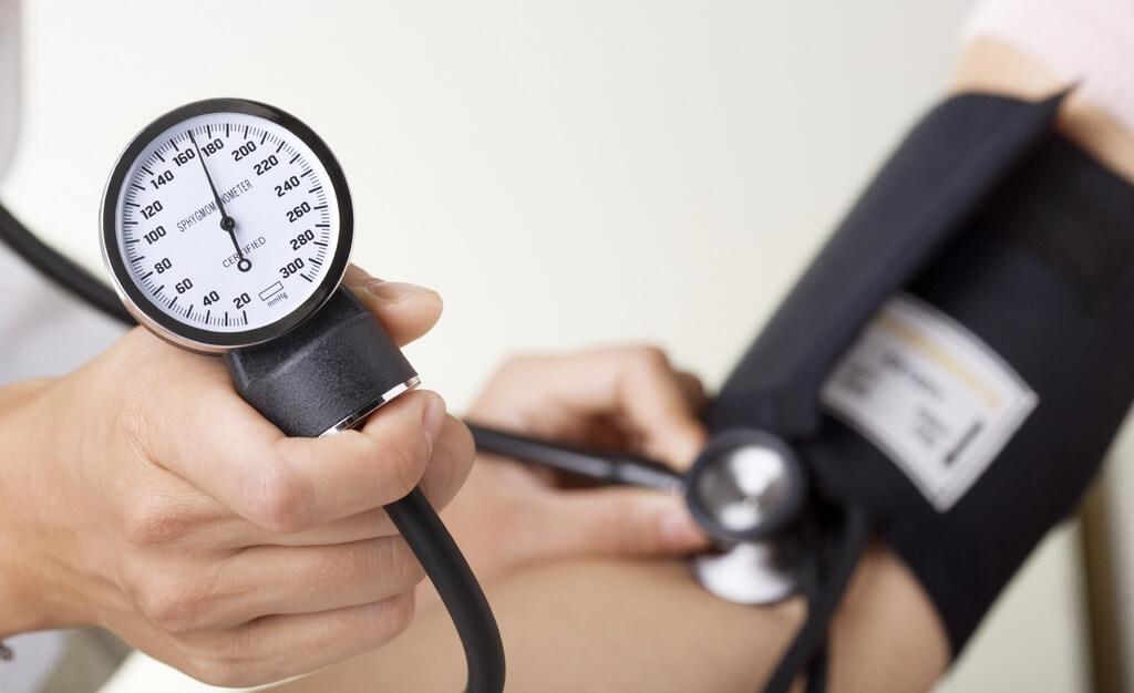 Атеросклероз аорты и коронарных артерий сопровождается увеличением артериального давления