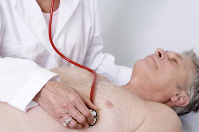 Длительное ухудшение кровообращения по пораженным сосудам приводит к недостатку оксигенации клеток мозга и недостатку питательных компонентов