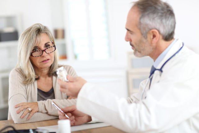 При остром болевом синдроме применяют наркотические анальгетики