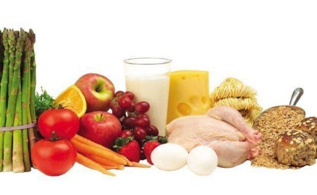 Требуется значительно ограничить потребление соли, жирной пищи и объемов жидкости, часто назначают прием витаминных препаратов