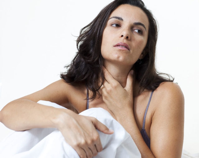 Если сопутствующие симптомы во время приступа могут не проявляться, то повышение АД наблюдается всегда