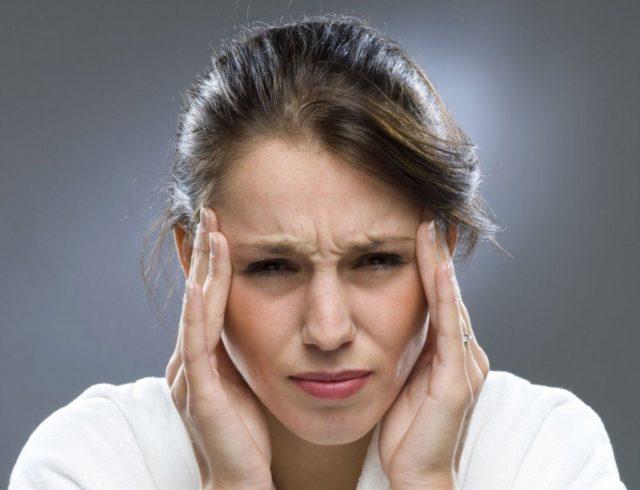 В ответ на стрессовую ситуацию или другой раздражитель сердце начинает усиленно сокращаться, увеличивая нагрузку на кровеносные сосуды