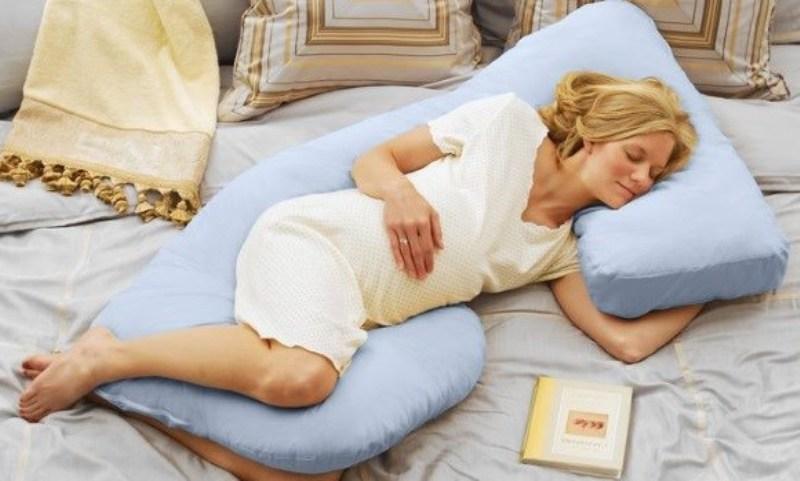 Специальный матрас для удобного сна женщин ожидающих родов