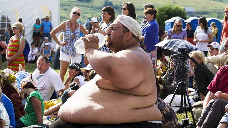 Мужчина с лишним весом