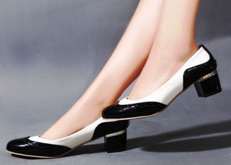 Обувь не должна быть на высоком каблуке