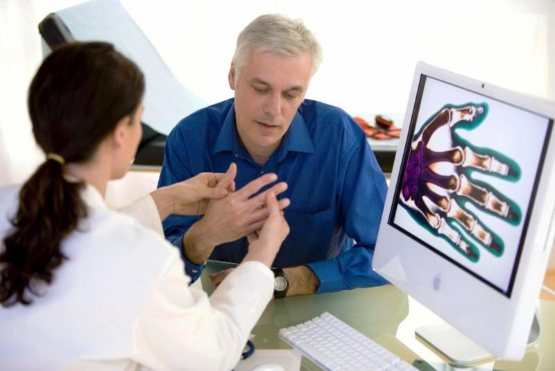 Врач ревматолог
