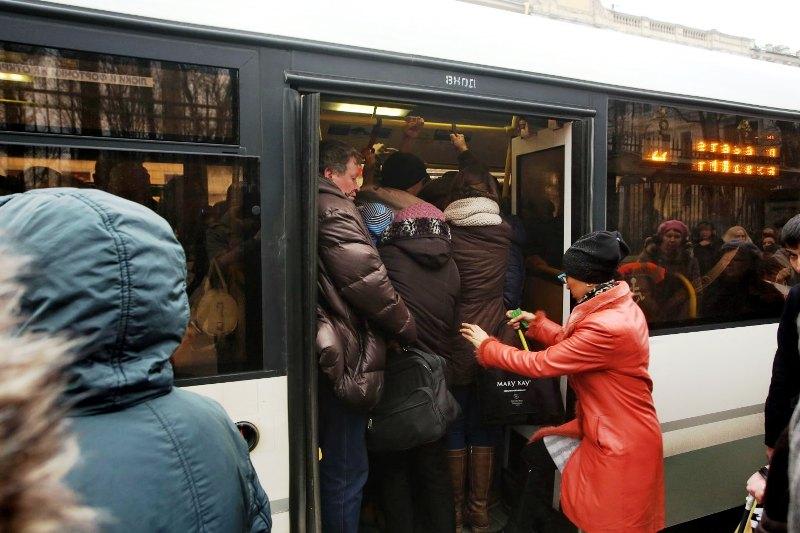 Переполненный автобус