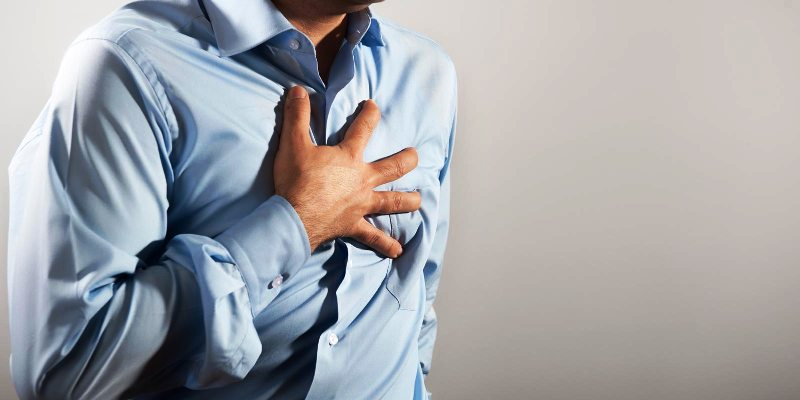 Давящие боли в груди при ишемии