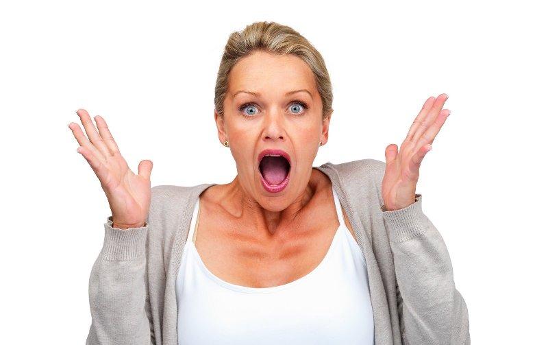Удивление женщины при наступлении менопаузы