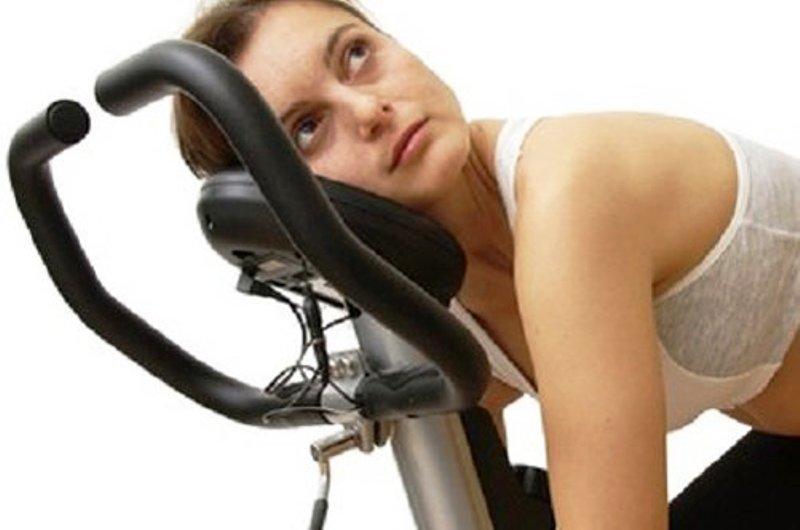Утомительная тренировка на велотренажере