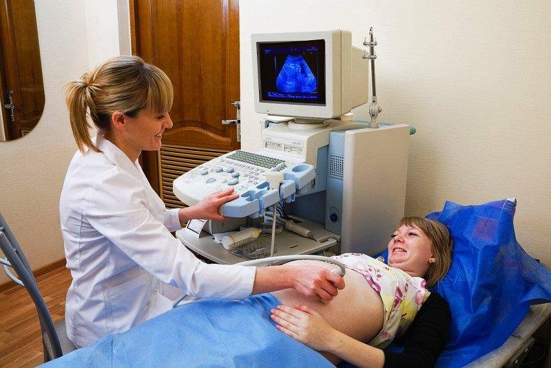 Беременная женщина на эхокардиограмме