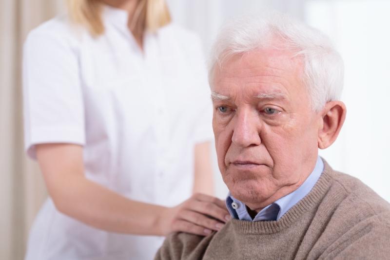 Инсульт у пожилого мужчины