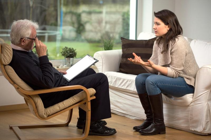 Пациентка на приеме у психолога